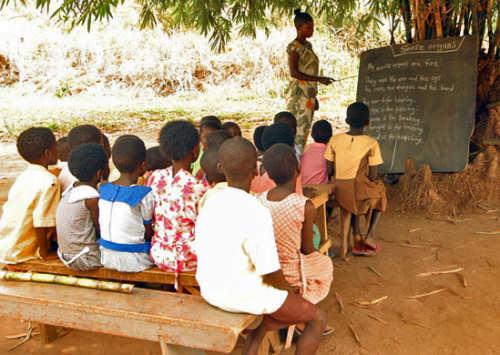 surpopulation et scolarisation